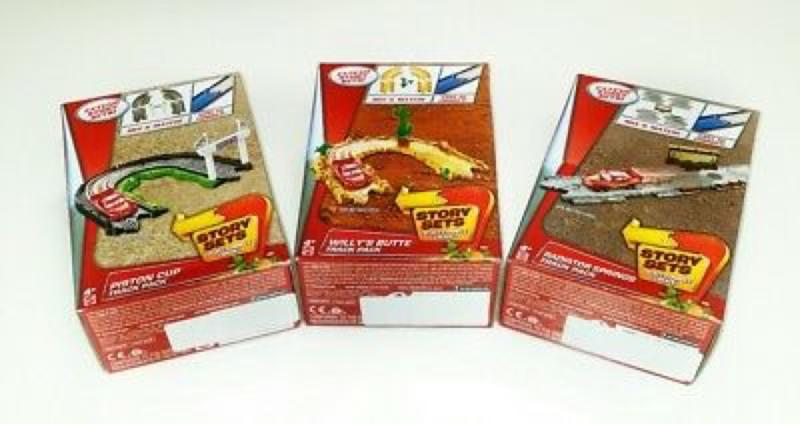 Cars 3 Track Pack Assortment  Willy's Butte, Piston Cup, Radiator Springs